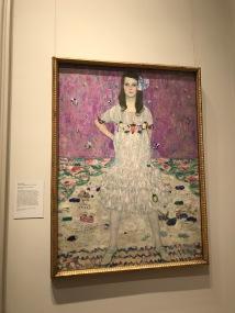 メトロポリタン美術館で大好きのクリムトの作品を見ることができました!